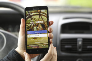 German tourist sues Airbnb
